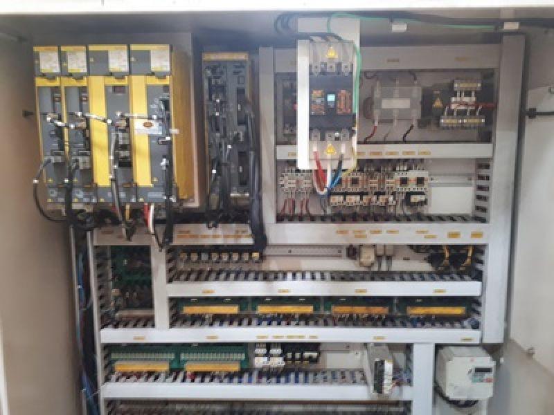 Centro de Usinagem Vertical Duplo Pallet KIA CENTER V25