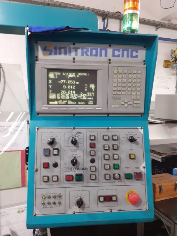 Centro de Usinagem Vertical SINITRON VMC-65