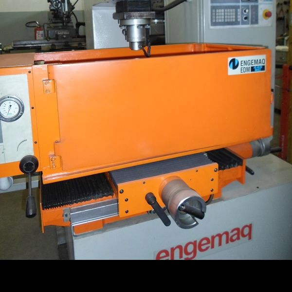 Eletroerosão por Penetração ENGEMAQ EDM 440NC
