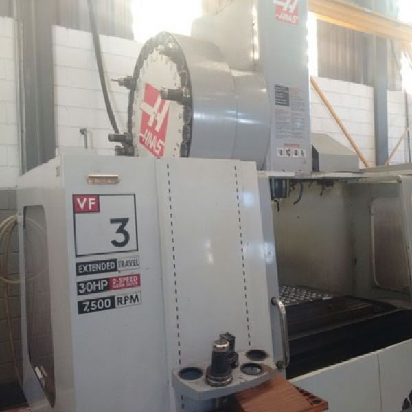 Centro de Usinagem Vertical HAAS VF-3YT/50
