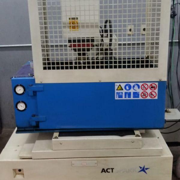 Eletroerosão por Penetração ACT SPARK SP1